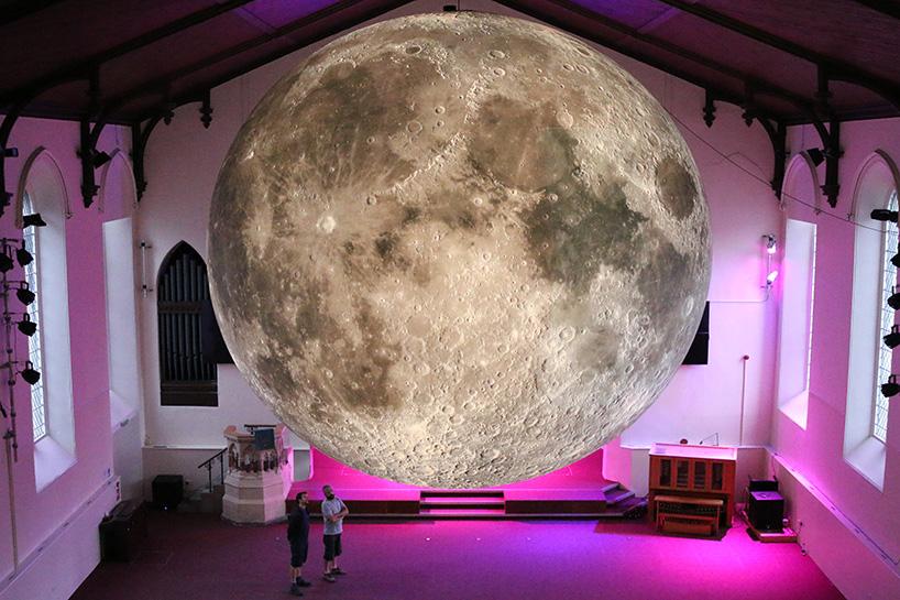 luke-jerram-museum-of-the-moon-designboom-02
