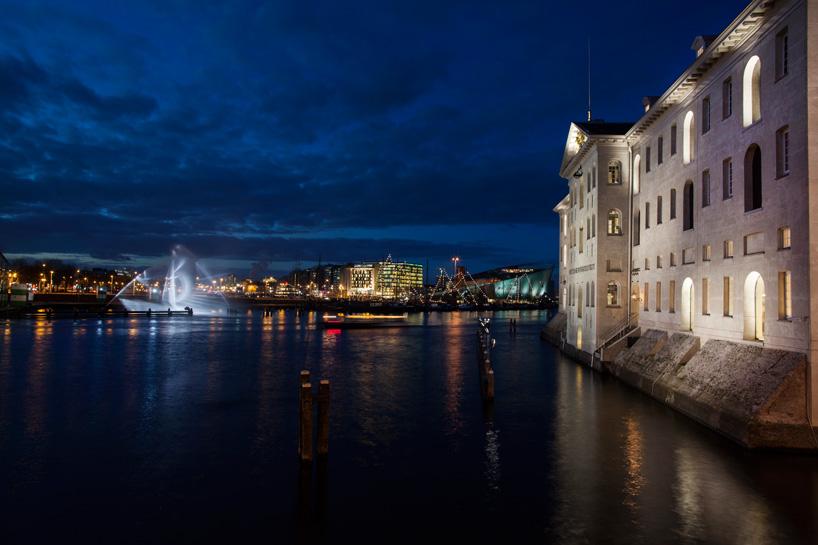 Ghost Ship_Amsterdam Light Festival_ kobi lighting studio 02
